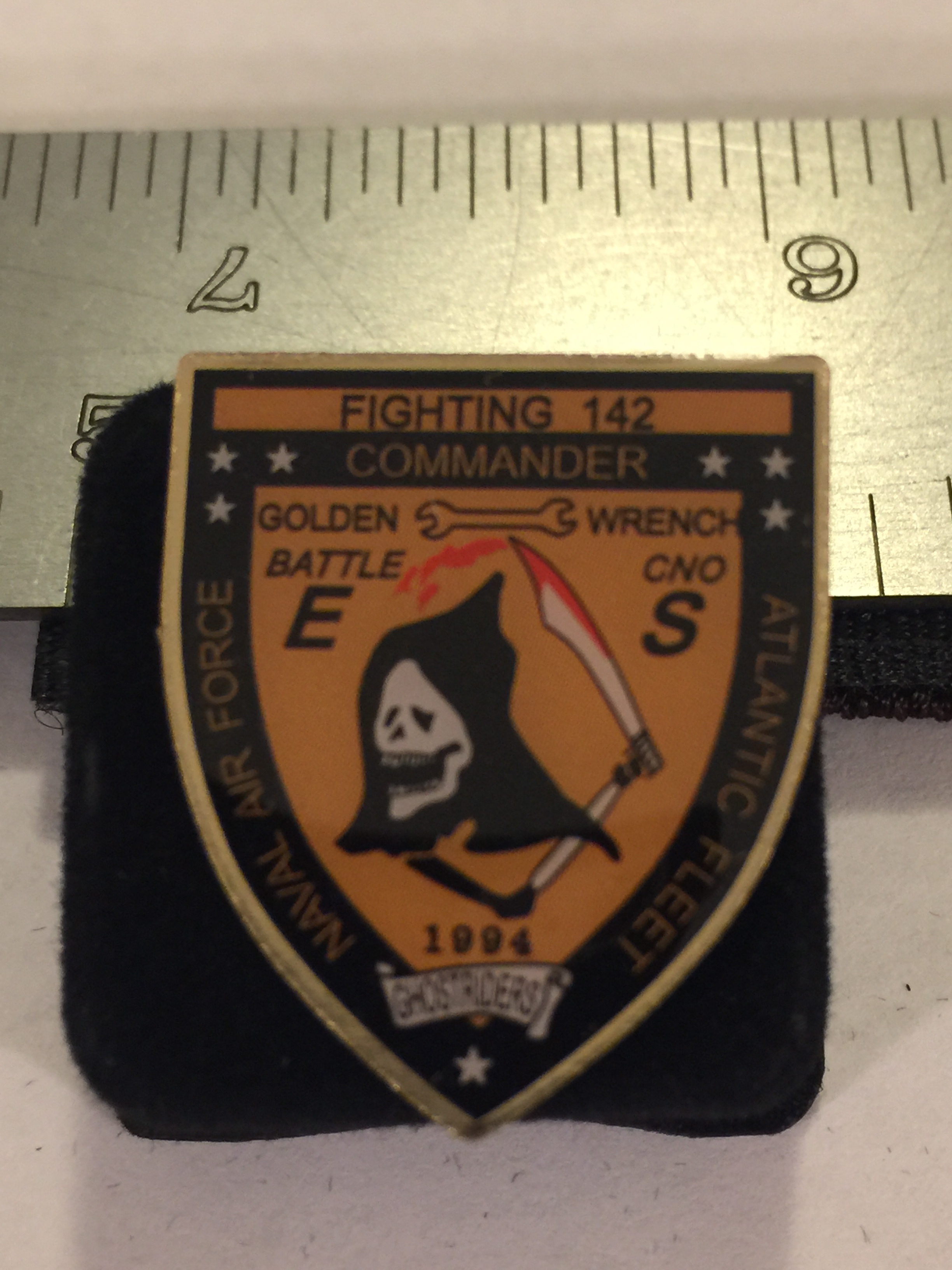 Lapel Pin: VF-142 'E & S' Award